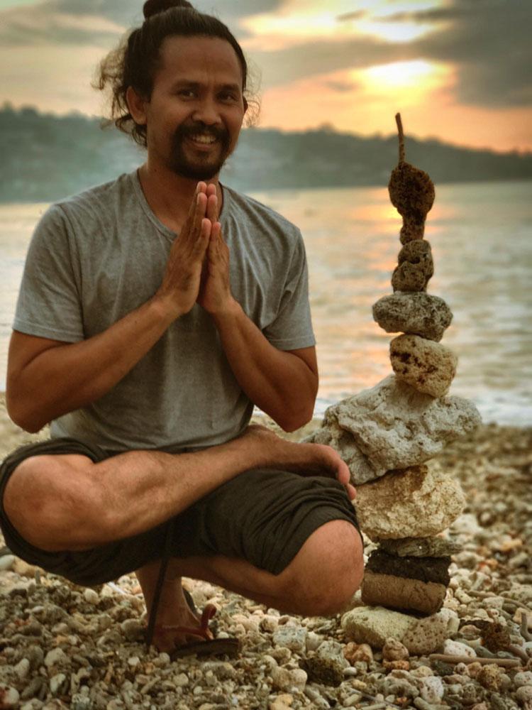 Spiritual Balinese Healer, healing bali, balinese healer and guide, heal in bali, Holy Healing Bali, Gedesastra Kumalaputra